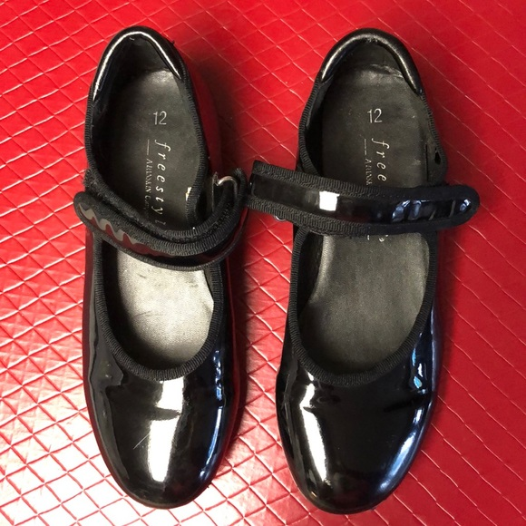 Danskin Shoes   Freestyle Tap   Poshmark